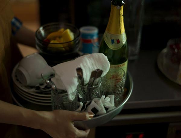 TANKER2にたっぷび食器をのせた画像